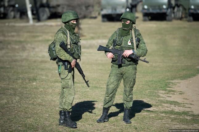 russkie-soldatyi-v-Kryimu2-646x430
