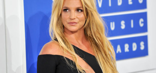 Britney-Spears-mtv-vmas-04-billboard-white-carpet-2016-bb-1548