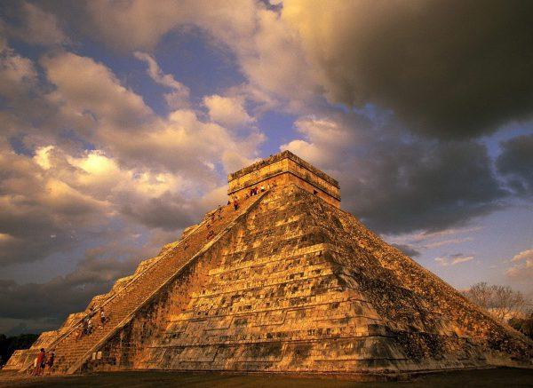 пирамида-600x437
