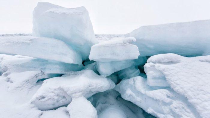 лед-777x437