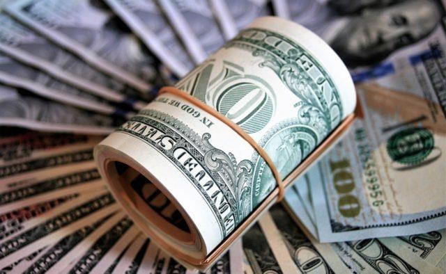 деньги-доллары-640x394